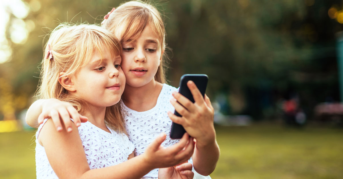 kids using phone