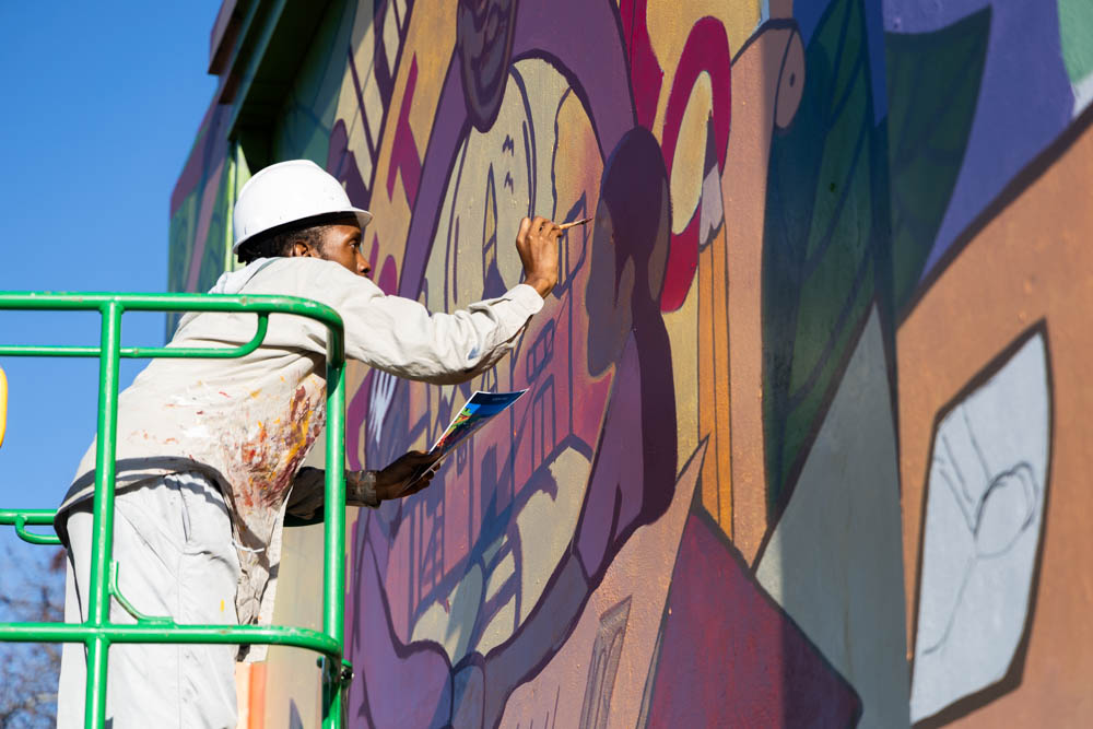 vincent thomas painting the mural